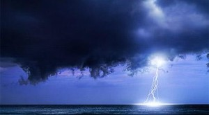 Lightning_storm_over_the_Caribbean